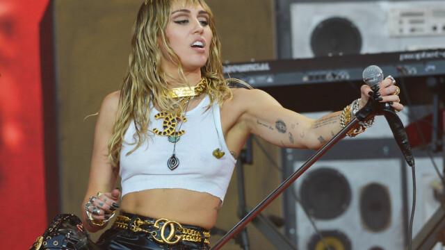 Miley Cyrus s-a despărțit de femeia pentru care divorțase. Mesajul postat pe Instagram - Imaginea 3