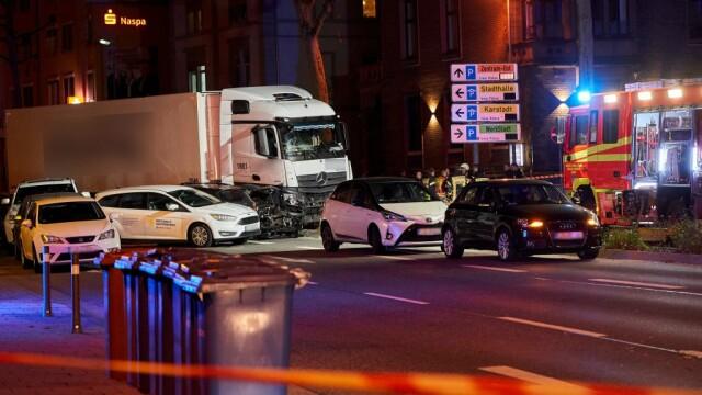 Posibil atac terorist în Germania. A furat un camion și a intrat cu el în mulțime - Imaginea 1