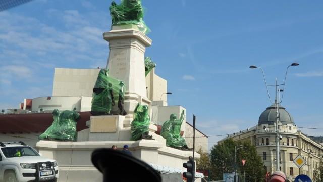 Cum arată noul ansamblu de 7 statui instalat în centrul Bucureștiului