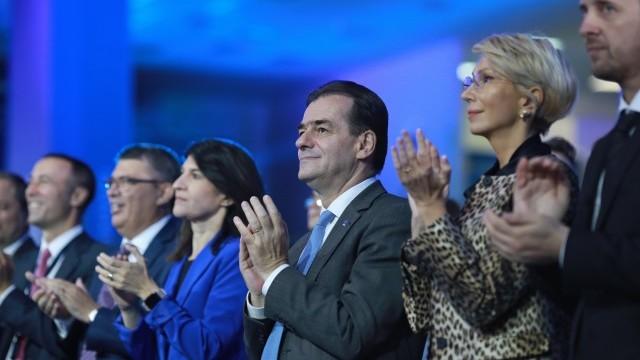 """Iohannis: """"Îmi doresc foarte mult ca moțiunea să fie încununată de succes"""" - Imaginea 3"""