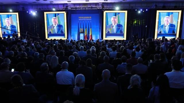 """Iohannis: """"Îmi doresc foarte mult ca moțiunea să fie încununată de succes"""" - Imaginea 4"""
