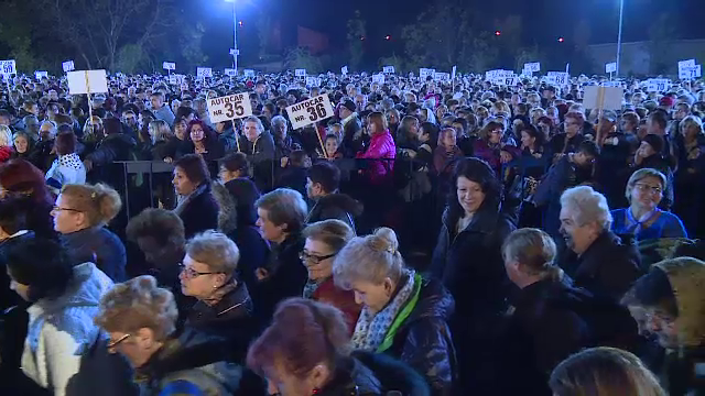 Sute de mii de pelerini, la Sfânta Parascheva. Ce a văzut un copil când a ajuns