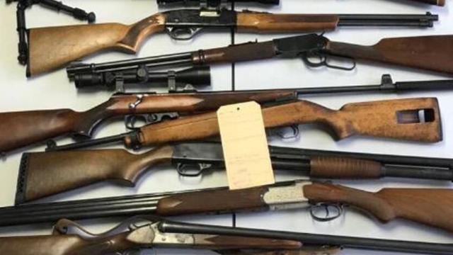 Sute de arme, confiscate în timpul unei operațiuni în Franța