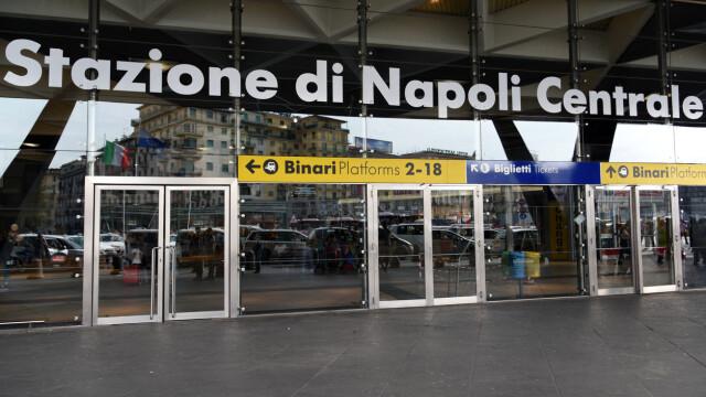 Un român a fost bătut de mulțimea furioasă, în gara din Napoli. Ce îi făcuse unei tinere