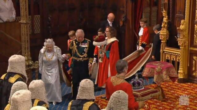 """Discursul reginei Elisabeta a II-a din sesiunea Parlamentară. """"Prioritatea guvernului este asigurarea Brexitului"""""""