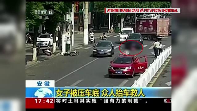 Accident șocant în China. O femeie a fost călcată de două mașini în câteva secunde - Imaginea 1