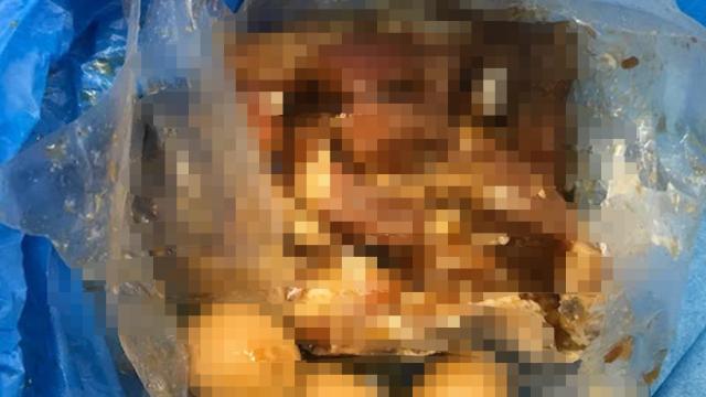 Turistă expulzată din cauză că avea mâncare din carne de porc în bagaje - Imaginea 1