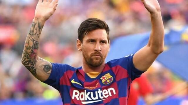 Momente stânjenitoare pentru Messi, în timpul unui interviu. Gestul inexplicabil făcut de prezentator - Imaginea 1