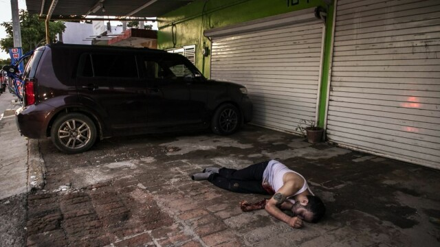 Oraș sub asediu după arestarea fiului lui El Chapo. S-au dus lupte ca în filme pentru a-l elibera - Imaginea 3