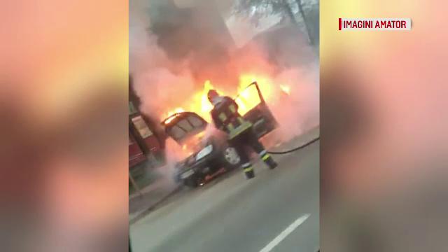 Clipe de panică în Bacău, după ce un autoturism a luat foc în centrul orașului - Imaginea 3