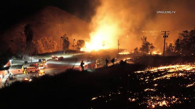 Imagini apocaliptice în California. Incendiile de vegetație au mistuit totul în cale - Imaginea 1