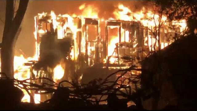 Imagini apocaliptice în California. Incendiile de vegetație au mistuit totul în cale - Imaginea 6