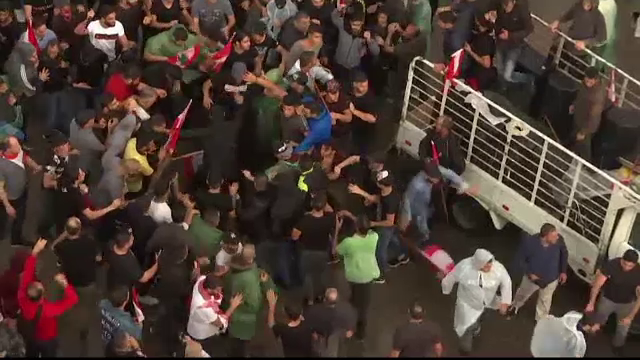 Libanezii continuă protestele declanșate după anunțarea taxelor pe WhatsApp - Imaginea 2