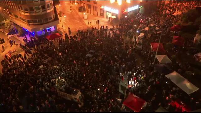 Libanezii continuă protestele declanșate după anunțarea taxelor pe WhatsApp - Imaginea 5