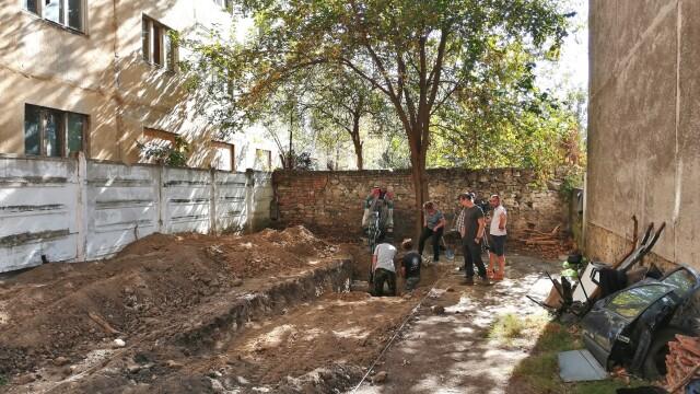Morminte ale victimelor Securității, descoperite în Caransebeș. Ce s-a găsit la două dintre ele - Imaginea 1