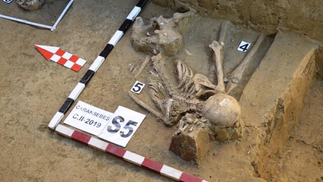 Morminte ale victimelor Securității, descoperite în Caransebeș. Ce s-a găsit la două dintre ele - Imaginea 6