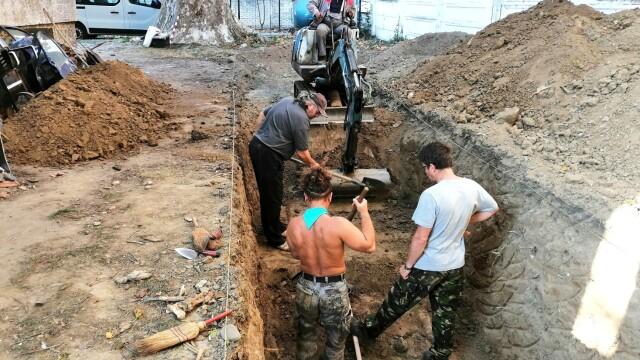 Morminte ale victimelor Securității, descoperite în Caransebeș. Ce s-a găsit la două dintre ele - Imaginea 9
