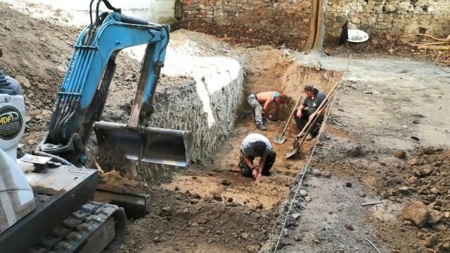 Morminte ale victimelor Securității, descoperite în Caransebeș. Ce s-a găsit la două dintre ele - Imaginea 10