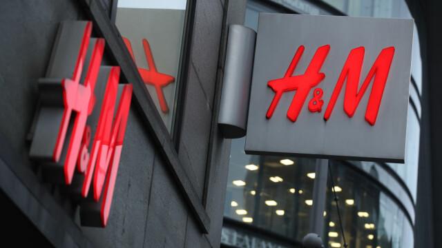 H&M, în centrul unui scandal de amploare. Compania, amendată cu 35 de milioane € pentru că și-a spionat angajații