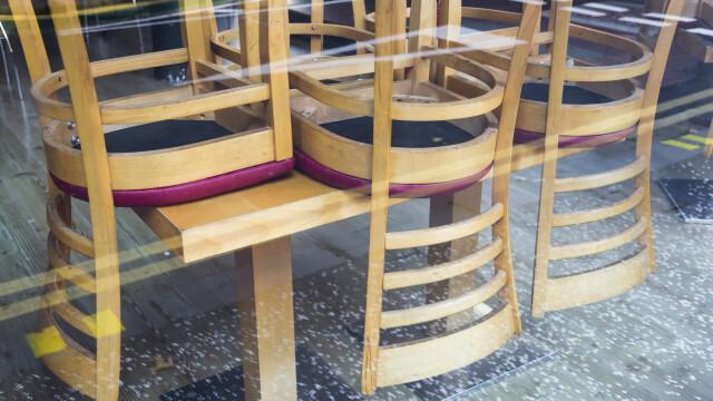 Restaurantele și cafenelele s-ar putea închide din nou la interior, în Capitală