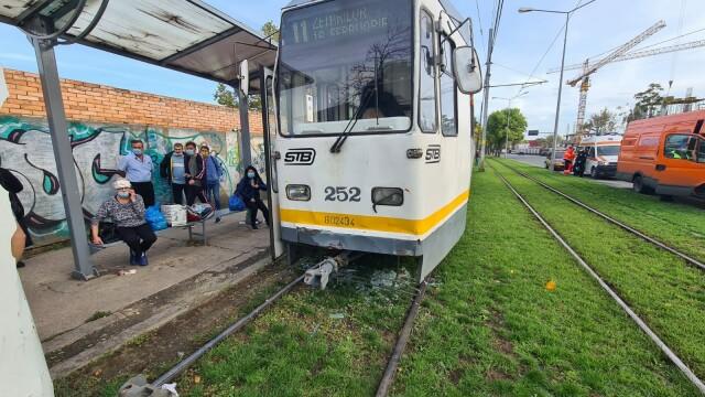 Două tramvaie aflate pe același sens de deplasare s-au ciocnit pe Șoseaua Progresului. Câte persoane au fost rănite - Imaginea 2