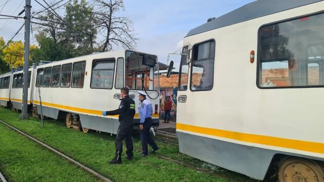 Două tramvaie aflate pe același sens de deplasare s-au ciocnit pe Șoseaua Progresului. Câte persoane au fost rănite - Imaginea 3