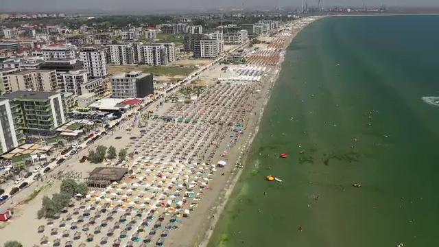 Turiştii vor găsi la vară hotelurile de la malul mării exact aşa cum le-au lăsat anul trecut. Care sunt motivele