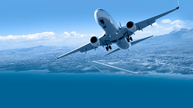 """O femeie, dată afară din avion, după ce a tușit pe ceilalți pasageri: """"Toată lumea moare, chiar dacă din cauza Covid sau nu"""""""