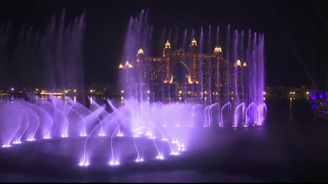 Cea mai mare fântână arteziană din lume, inaugurată cu fast în Dubai