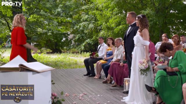 """""""Căsătoriți pe nevăzute"""". Miresei i s-a făcut rău după ceremonie: """"Sunt debusolată"""" - Imaginea 1"""