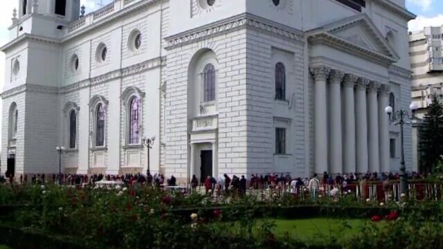 Pelerinajul de la Sfânta Parascheva. Mii de persoane au trecut pe la moaște. VIDEO - Imaginea 1