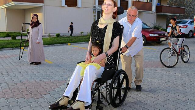 Cea mai înaltă femeie din lume este din Turcia şi are peste 2,15 metri - Imaginea 7