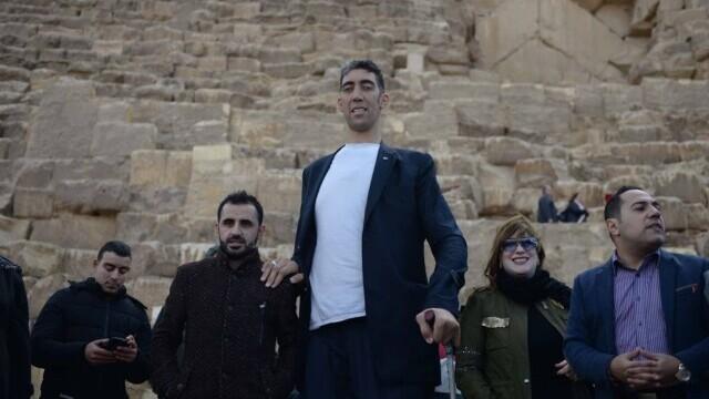 Cea mai înaltă femeie din lume este din Turcia şi are peste 2,15 metri - Imaginea 9