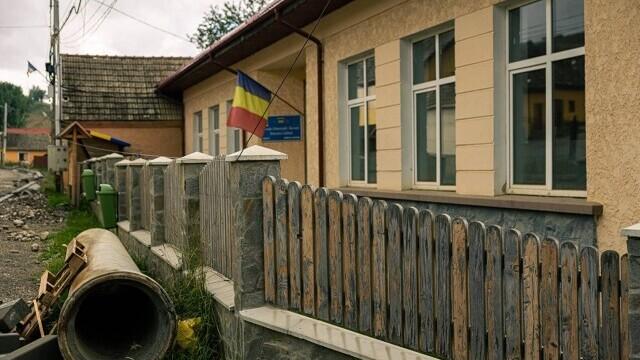 """Folosești serviciul """"Livrare prin OLX"""" și contribui la renovarea unei școli din România - Imaginea 1"""