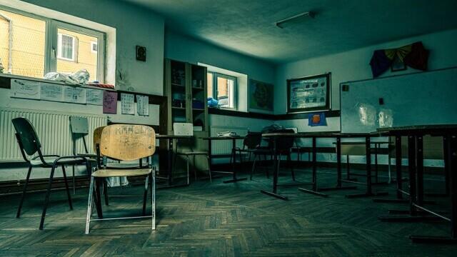 """Folosești serviciul """"Livrare prin OLX"""" și contribui la renovarea unei școli din România - Imaginea 6"""