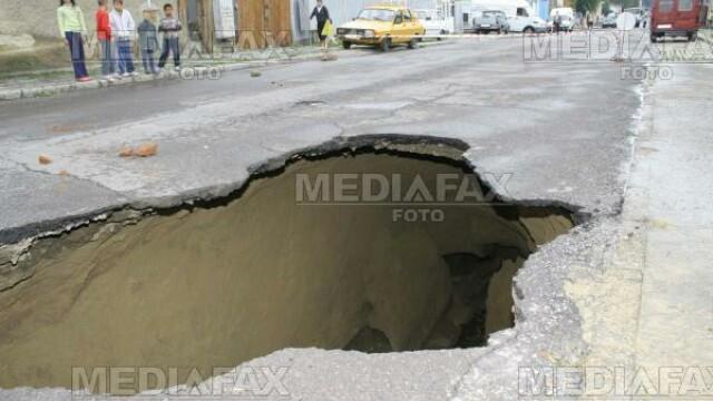 Gropile din asfalt, o amenintare pentru soferii din toata tara!