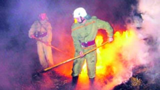 Incendiu cu repetitie! Groapa de gunoi din Brasov a luat din nou foc