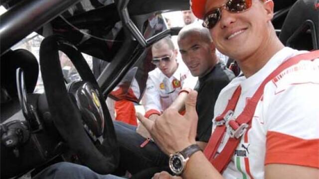 Sefii echipei Mercedes catre Schumacher: Faci performanta ori zbori!
