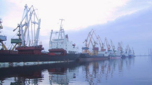 port, vapoare, dane