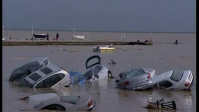 Inundatii catastrofale in Turcia: 31 de morti! PRAPADUL IN IMAGINI - Imaginea 4
