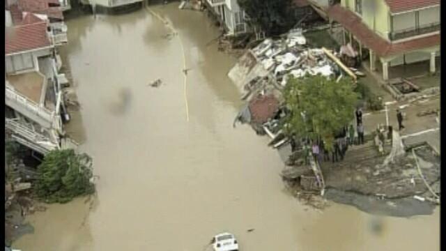 Inundatii catastrofale in Turcia: 31 de morti! PRAPADUL IN IMAGINI - Imaginea 1