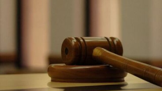 Un barbat din Slatina a fost condamnat la inchisoare pe viata dupa ce si-a omorat o vecina cu mai multe lovituri de cutit