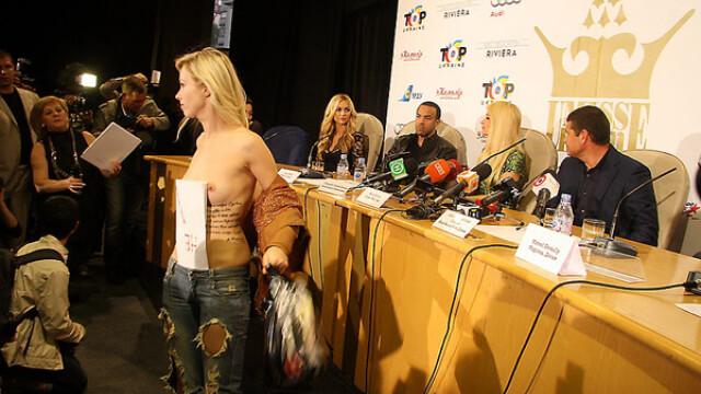 O ucraineanca topless i-a luat fata lui Paris Hilton. FOTO si VIDEO - Imaginea 2