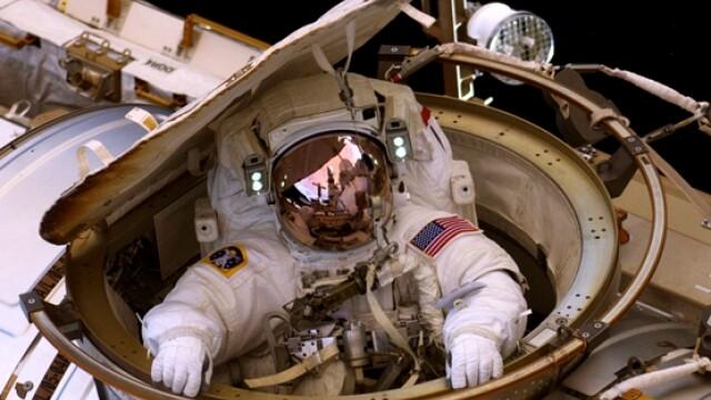 astronaut, spatiu