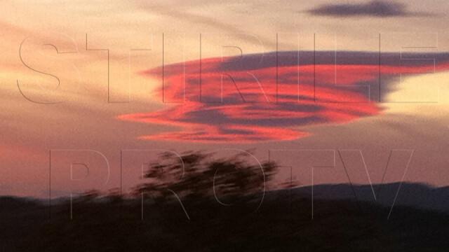 UPDATE: Spectacol pe cer in doua judete din Romania. Formele spectaculoase oferite de nori - Imaginea 9