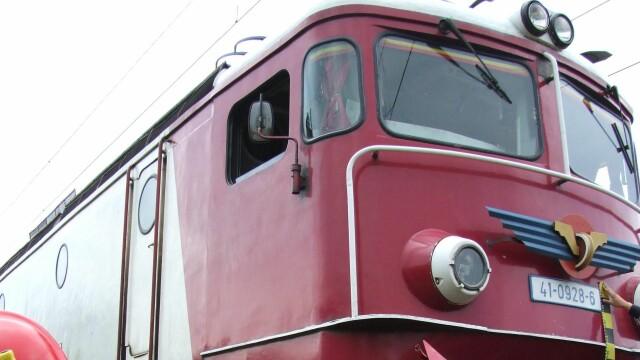 Patru vagoane ale unui tren de marfa incarcat cu azotat de amoniu au deraiat in Harghita. Traficul feroviar a fost blocat