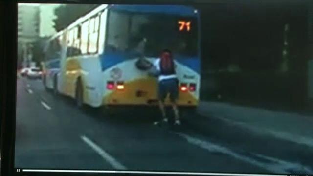 Teribilismul unui barbat din Slovacia putea declansa un accident in lant. Ce a facut in trafic