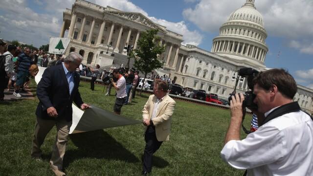 Casa Alba onoreaza memoria victimelor atentatului de la Benghazi si atacurilor teroriste din SUA