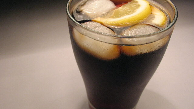 Reteta de la Coca Cola se va schimba. Ce va contine in loc de zahar