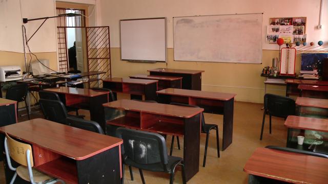 Ancheta la o scoala din Vaslui dupa ce directoarea unitatii si un profesor s-au batut. Care a fost motivul scandalului